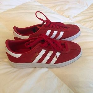 Adidas Red München Gazelle Sneakers